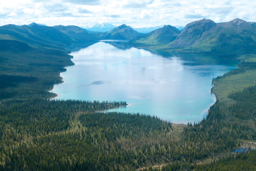 Blockhütten am Frances Lake und am Dalayee Lake in Yukon, Kanada... (© Foto: Beyond Five Stars)