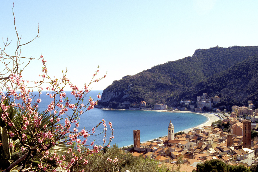 Strand von Noli (© Foto: Photo Archive Regional Agency In Liguria)