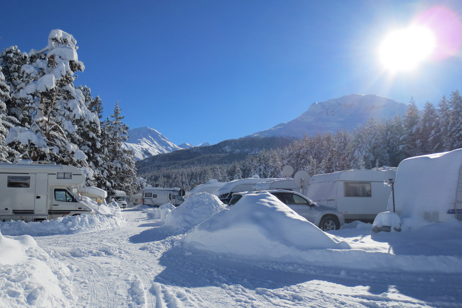 Winter-Camping in Scuol (© Foto: TCS Camping)